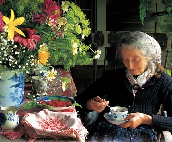 Tasha Tudor tea party stillwater story